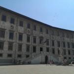 Mooi gebouw in Pisa